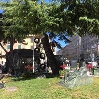 Photo taken at Piazza del Popolo by Estefania P. on 7/5/2017