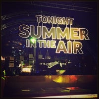 Photo taken at Tonight Summer in the Air by Валентина Б. on 5/31/2013