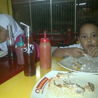 Photo taken at Quick Chicken Sidodadi by Din Arsy A. on 2/5/2013