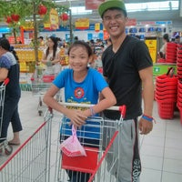 Photo taken at Big C - Dĩ An by Octobersky on 8/18/2013