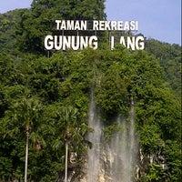 Photo taken at Taman Rekreasi Gunung Nuang by Ena O. on 9/1/2013