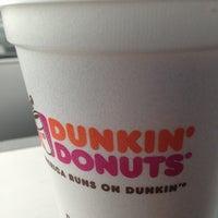 Das Foto wurde bei Dunkin' Donuts von Brian P. am 6/7/2013 aufgenommen