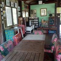 Photo taken at Chuen Jai Guesthouse by Sompol L. on 11/15/2015