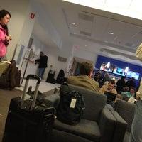 Das Foto wurde bei Delta Sky Club von Jose S. am 11/14/2012 aufgenommen