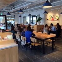 รูปภาพถ่ายที่ Afternoon Tea LOVE & TABLE 表参道 โดย cyberkiz เมื่อ 10/18/2013