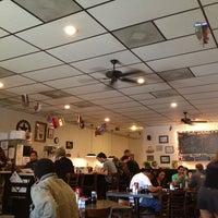 Das Foto wurde bei Cafe Java von John S. am 2/25/2013 aufgenommen