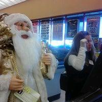 Foto tirada no(a) ShopRite por Nancy A. K. em 12/6/2012