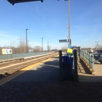 Photo taken at Metra - New Lenox by Vietvet52 on 12/13/2012