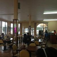 Photo taken at Restaurante 75 by Isaias G. on 7/7/2013