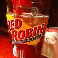 Photo taken at Red Robin Gourmet Burgers by Art V. on 3/7/2013