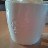 Photo prise au Starbucks par Gordon C. le2/17/2013