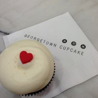 Photo taken at Georgetown Cupcake by Johnny L. on 5/9/2013