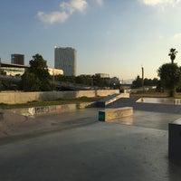 Foto tomada en Skatepark del Forum por Adam S. el 7/13/2017