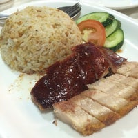Photo taken at Duck King Restaurant by Yi Chiann L. on 10/19/2015