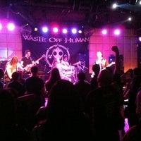 Foto tomada en La Batuta por Alejandra L. el 1/18/2013