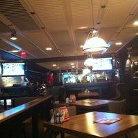 5/2/2013 tarihinde Luis P.ziyaretçi tarafından Happy Bar & Grill'de çekilen fotoğraf