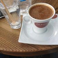 5/21/2015 tarihinde Aslı K.ziyaretçi tarafından Arabica Coffee House'de çekilen fotoğraf