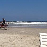 Photo taken at Riviera - Beira Mar by Fernanda T. on 10/19/2013
