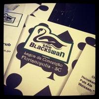 Foto tirada no(a) The Black Swan por Flavio F. em 2/17/2013