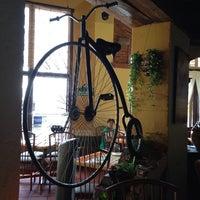 Foto tomada en La Bicicleta por Rita A. el 8/8/2013