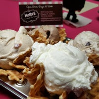 Photo taken at Kelly's Homemade Ice Cream by Central Florida T. on 3/30/2016