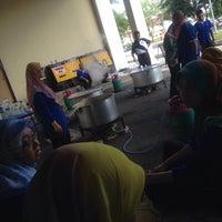 Photo taken at Pejabat Pendaftaran UTHM by jeeha f. on 7/9/2015