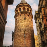 Photo prise au Tour de Galata par Aysegul K. le6/29/2013