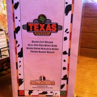 Photo taken at Texas Roadhouse by Tall G. on 7/6/2013