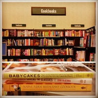 Photo taken at Barnes & Noble by Roman S. on 5/23/2013