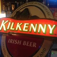 Снимок сделан в Clever Irish Pub пользователем Роман Б. 12/3/2012