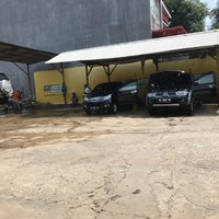 Photo taken at Istana Steam Car Wash by Endang Real Suryana 4. on 2/26/2017