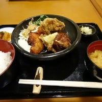 Photo taken at Fugetsu Japanese Restaurant by Yoshi K. on 11/12/2013