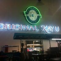 Photo taken at Restoran Original Penang Kayu Nasi Kandar by Sedi M. on 10/2/2012