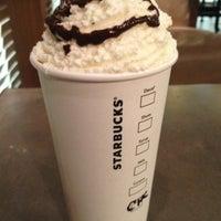 Снимок сделан в Starbucks пользователем Ewa S. 10/23/2012