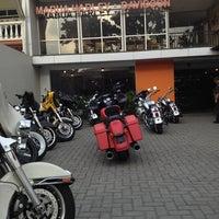 Photo taken at Mabua Harley-Davidson by Emma on 7/11/2013