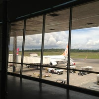Photo taken at Aeroporto Internacional de Manaus / Eduardo Gomes (MAO) by Richard T. on 5/25/2013