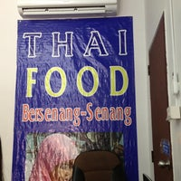 Photo taken at Thai Food Bersenang-senang by apishhboo on 8/24/2013