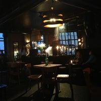 Das Foto wurde bei Neue Odessa Bar von Natalia T. am 5/9/2013 aufgenommen