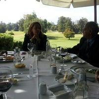 Foto tomada en Club de Golf Los Leones por Lisette M. el 4/10/2013