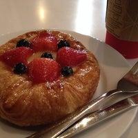 Снимок сделан в Starbucks пользователем Nastasia A. 10/24/2014