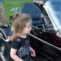 Photo taken at Andrae's Harley Davidson by Shellie E. on 6/5/2013