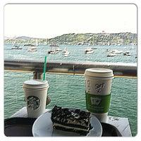 5/5/2013 tarihinde Sarper A.ziyaretçi tarafından Starbucks'de çekilen fotoğraf