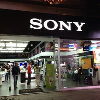 Photo taken at Sony Store by Tack K. on 11/9/2013
