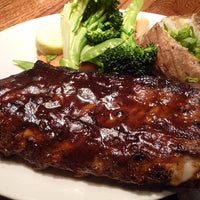 Photo taken at Outback Steakhouse by Gutemberg M. on 7/15/2013