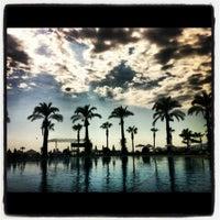 10/2/2012 tarihinde Алиса Ш.ziyaretçi tarafından Mirada Del Mar PoolBar'de çekilen fotoğraf