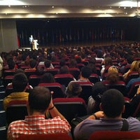 รูปภาพถ่ายที่ Spectrum (GAU) โดย Bekir A. เมื่อ 11/12/2012