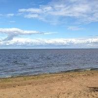 Photo taken at Пляж Финского Залива by Наталья Б. on 7/21/2013