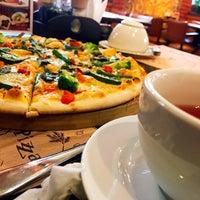 Снимок сделан в Meet-Point Pizzabar пользователем Toms C. 2/16/2017