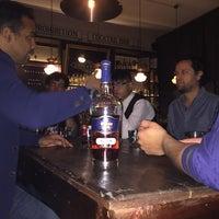 Foto tomada en Oliveria Cocktail Bar por Toño P. el 11/11/2016