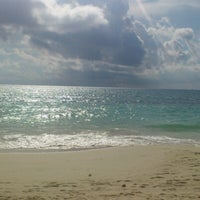 Photo taken at Playa Express by Servando Alonso G. on 10/7/2012